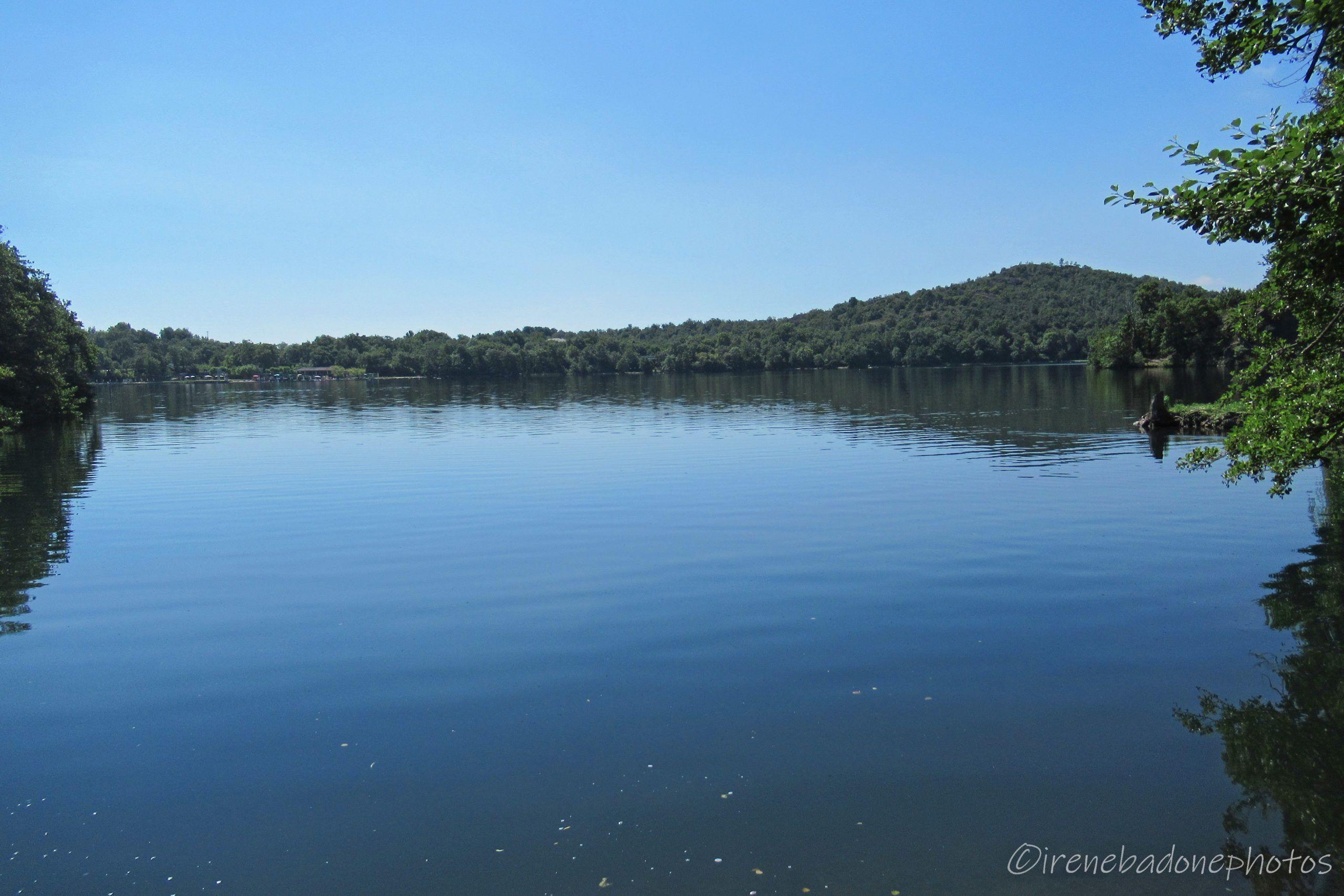 Sulla sponda del Lago Sirio