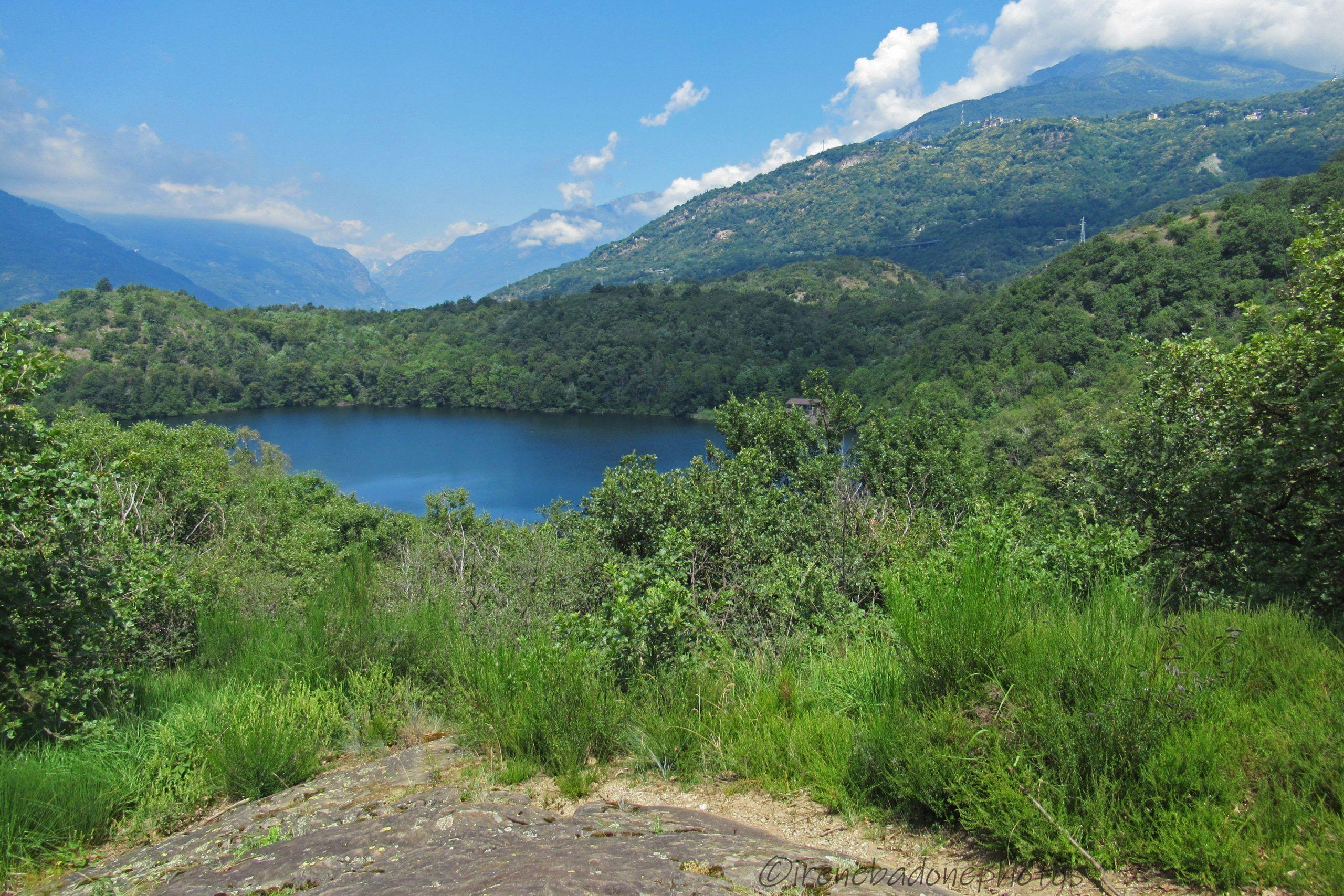 Panorama sul Lago Nero da uno sperone roccioso